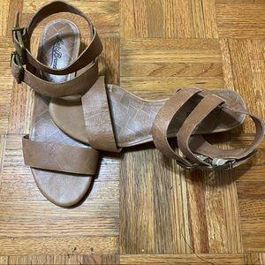 LUCKY BRAND Sandals Heels 7.5 Hardly Worn